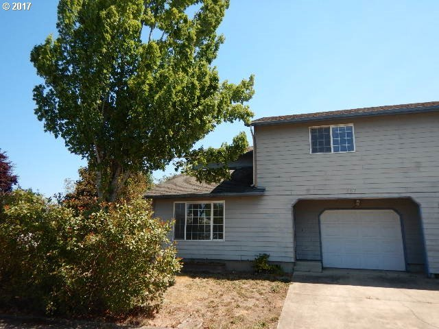 487 S 37th St, Springfield, OR 97478