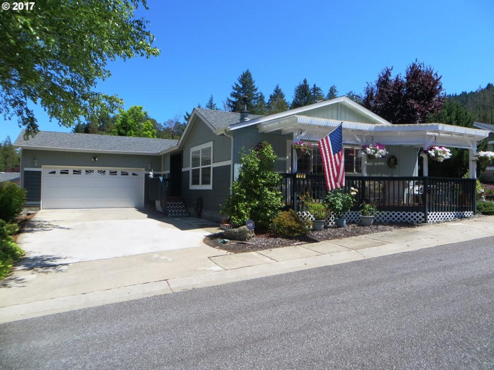 124 Brenda Pl, Canyonville, OR 97417