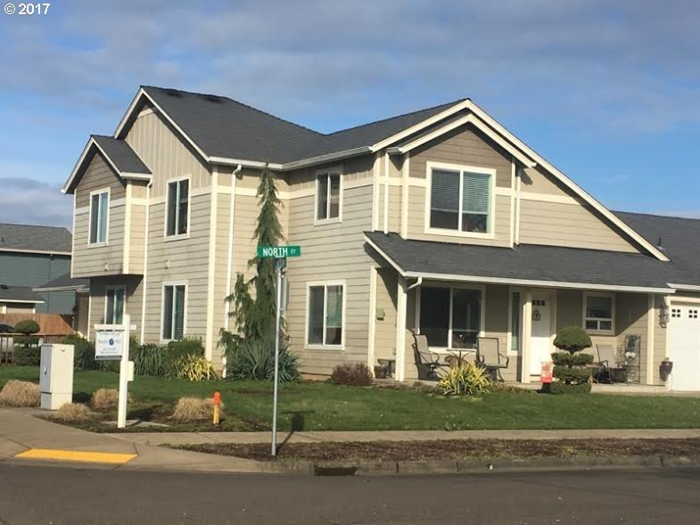 715 North Ct, Woodburn, OR 97071