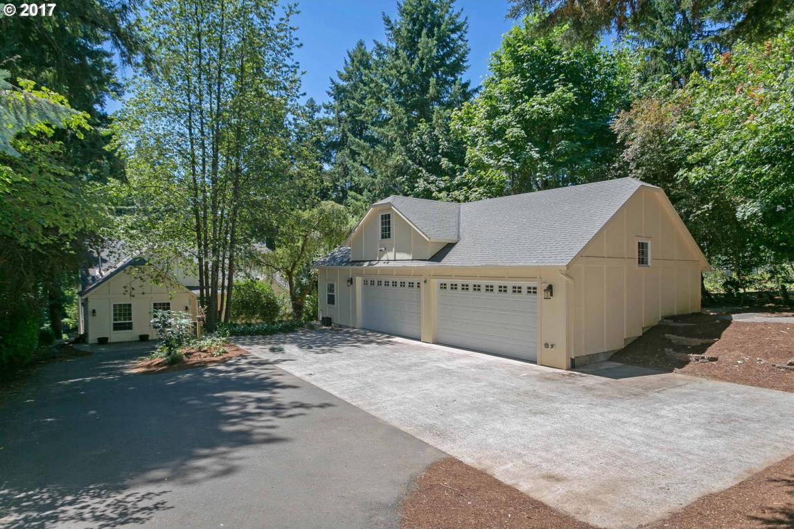 7050 Childs Rd, Lake Oswego, OR 97035