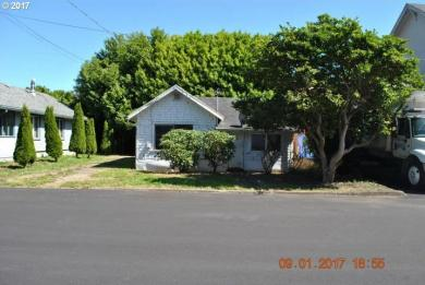 106 Fifth St, Garibaldi, OR 97118