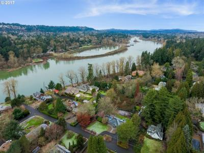 Photo of 4217 SE River Dr, Milwaukie, OR 97267