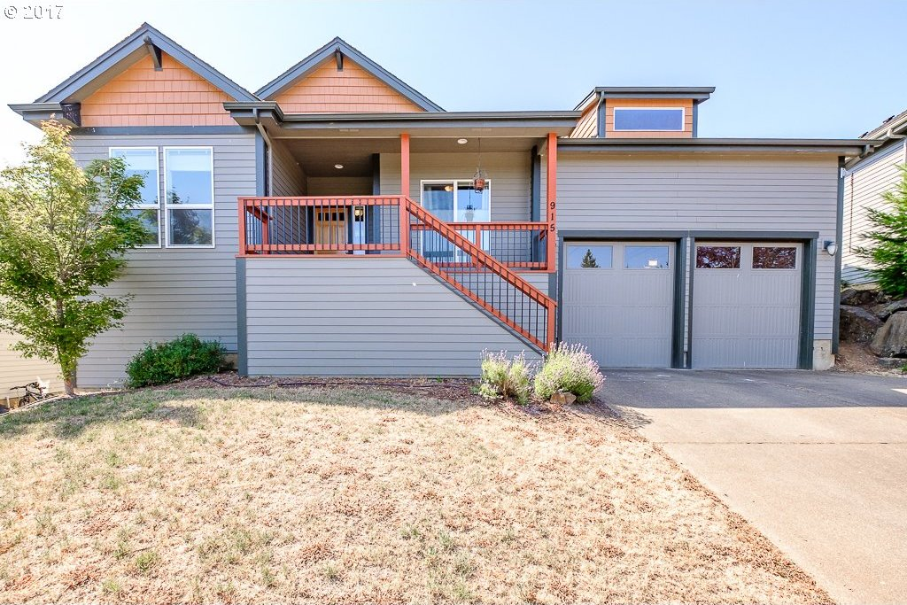 915 Pinetop St, Sweet Home, OR 97386