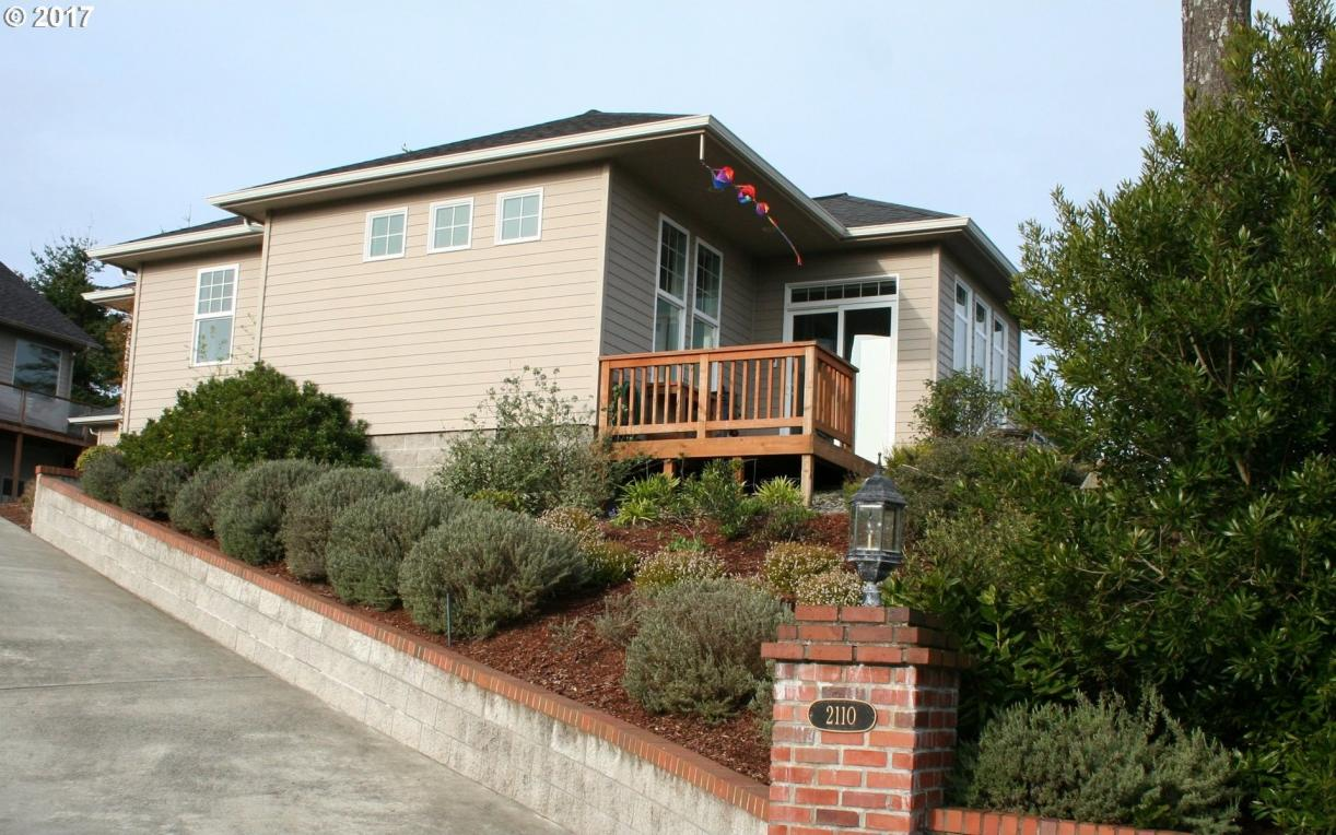 2110 Hayes, North Bend, OR 97459