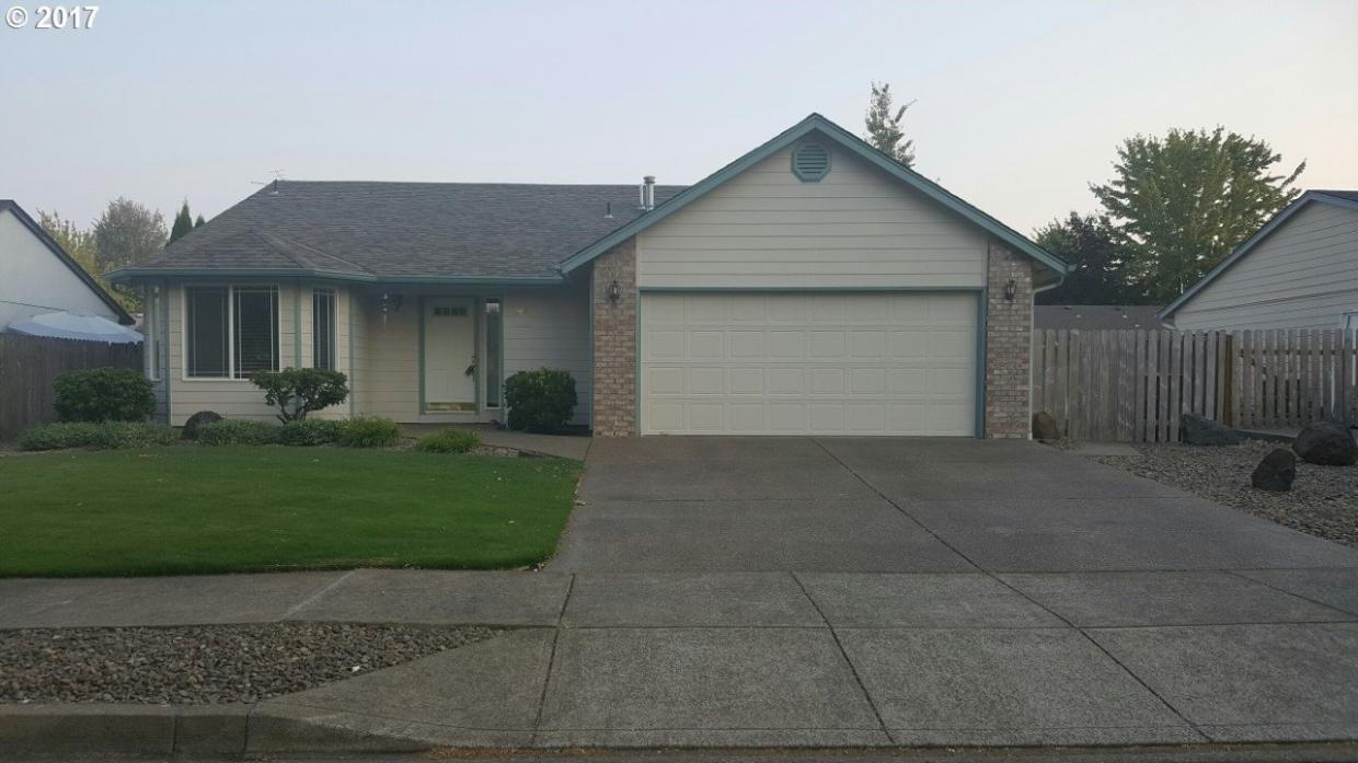 1864 SW Tamarack St, Mcminnville, OR 97128