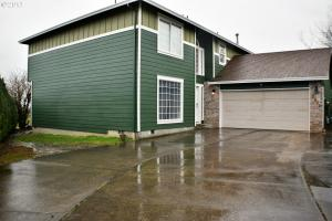 2334 SW Fox Ct, Troutdale, OR 97060