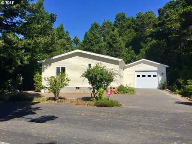 1600 Rhododendron Dr #301, Florence, OR 97439