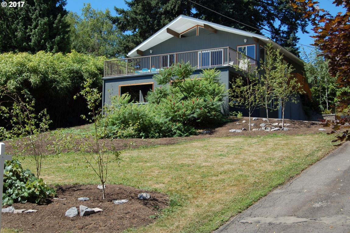 9305 SW View Point Ter, Portland, OR 97219