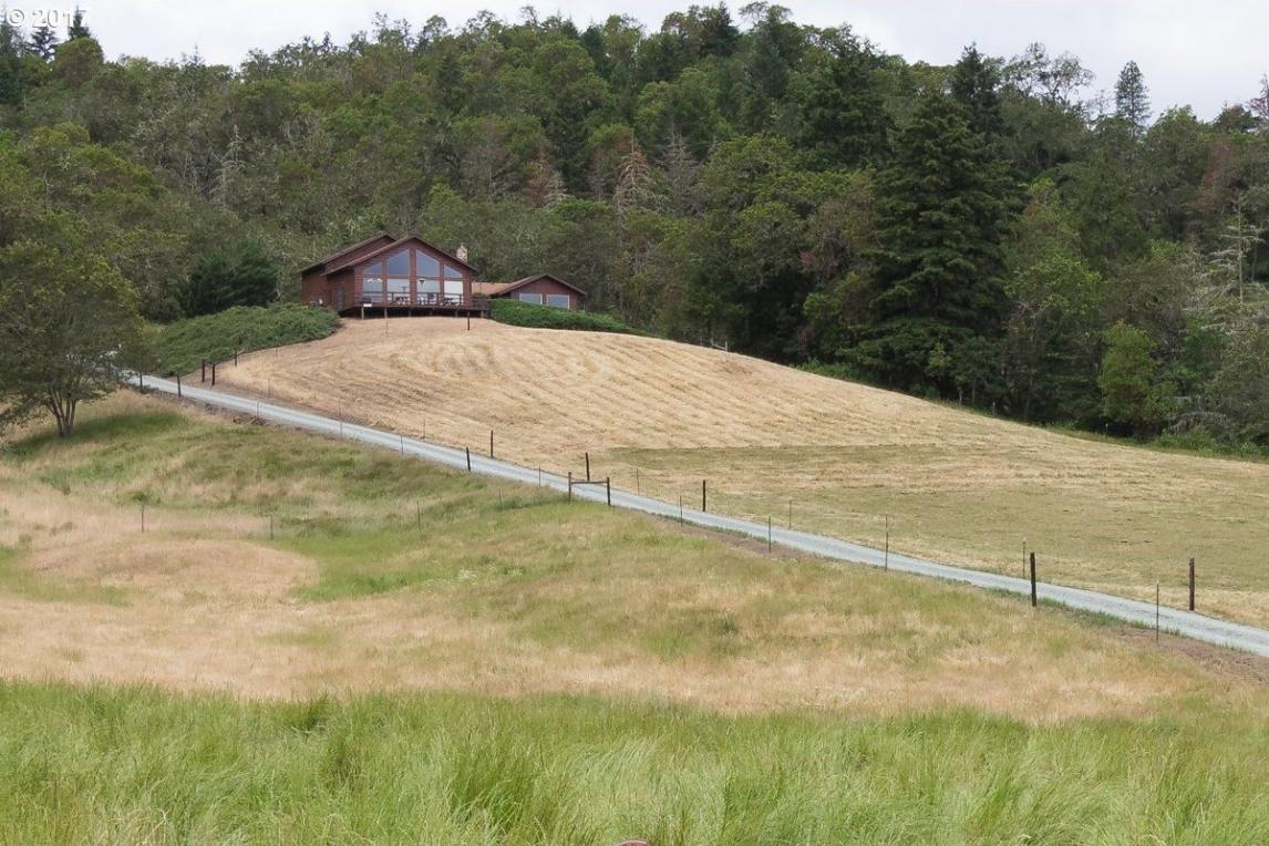 1007 Ash Creek Rd, Riddle, OR 97469