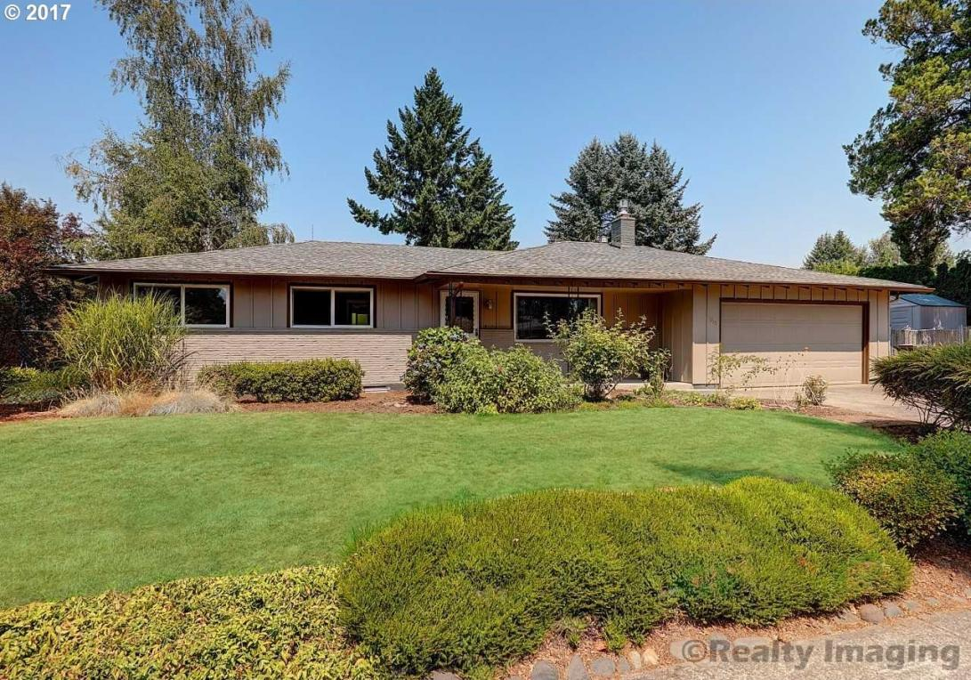 8215 SE Clackamas Rd, Milwaukie, OR 97267
