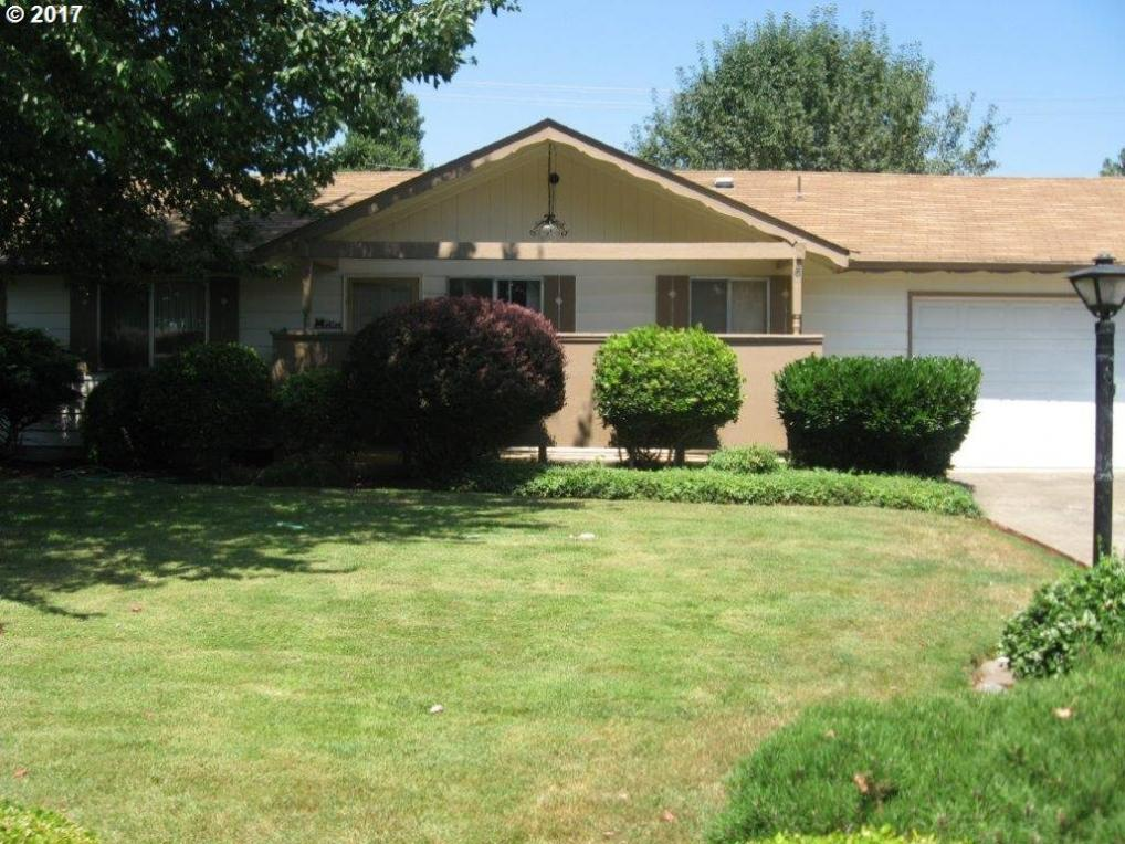 546 Pinedale Ave, Springfield, OR 97477
