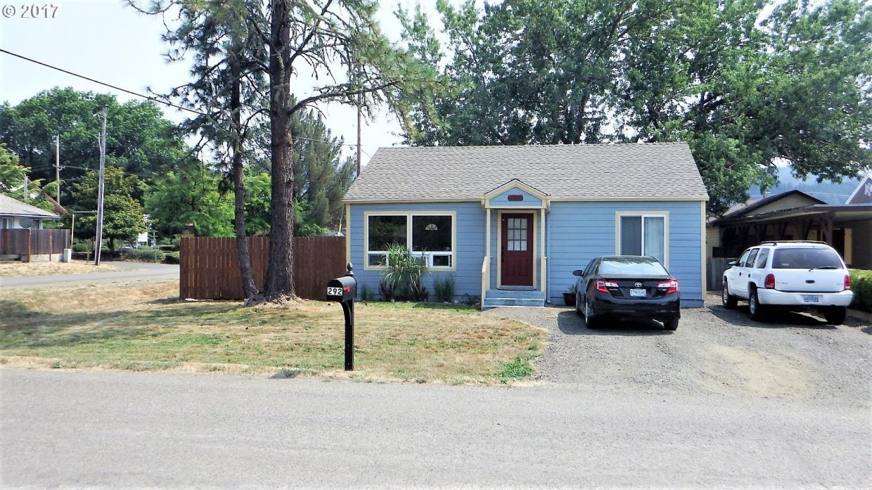 292 E First Ave, Sutherlin, OR 97479
