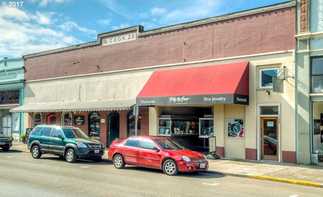 1144 Commercial St, Astoria, OR 97103