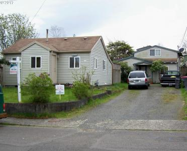 805 16th Ave, Seaside, OR 97138
