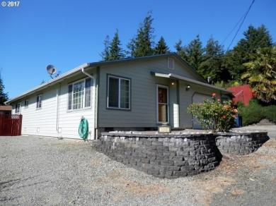 1040 N Henry St, Coquille, OR 97423