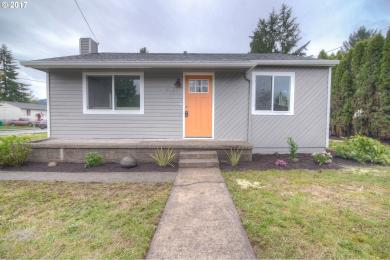 9036 SE Duke St, Portland, OR 97266