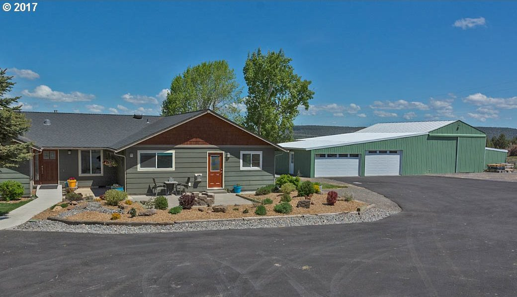 6306 SW Valley View Rd, Powell Butte, OR 97753