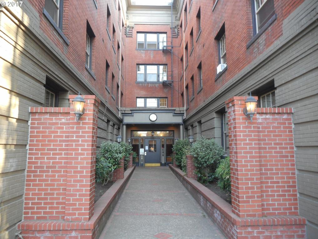 2109 NW Irving St #211, Portland, OR 97210