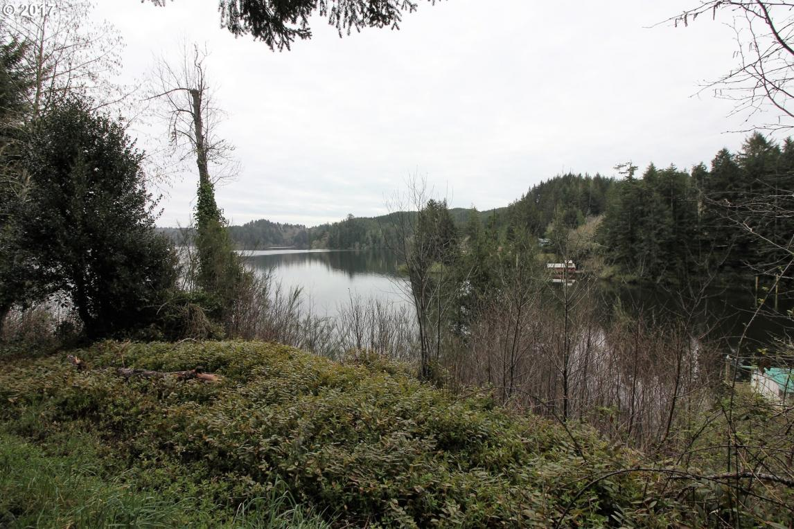 Hilltop Dr, Lakeside, OR 97449