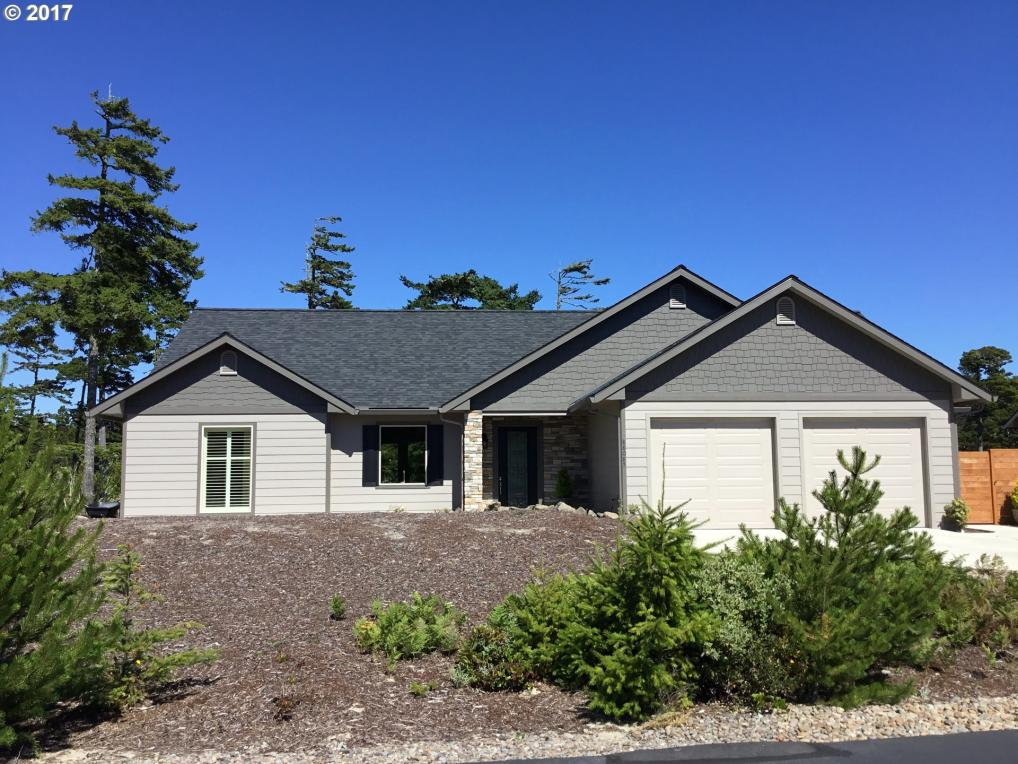 88085 Lake Point Dr, Florence, OR 97439