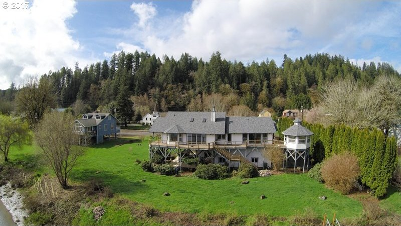 87995 River View Ave, Mapleton, OR 97453