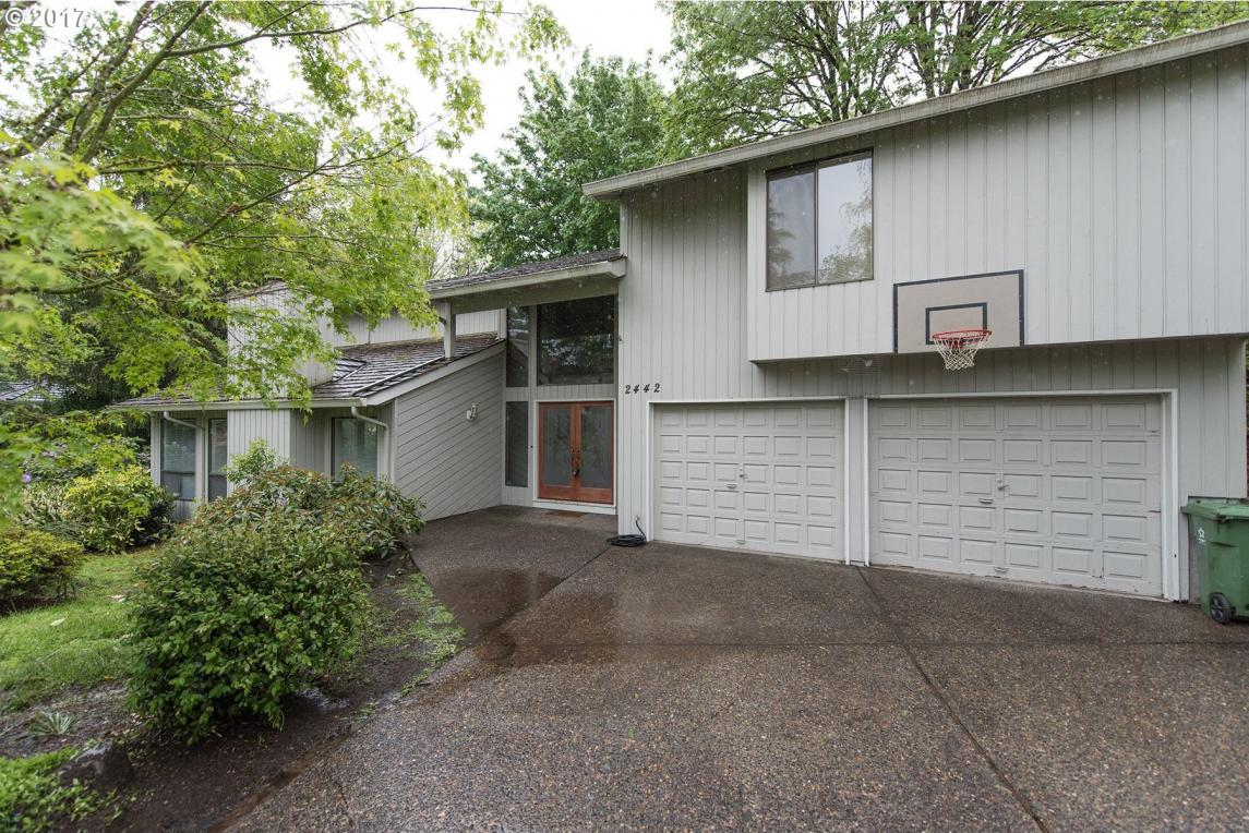 2442 Palisades Crest Dr, Lake Oswego, OR 97034
