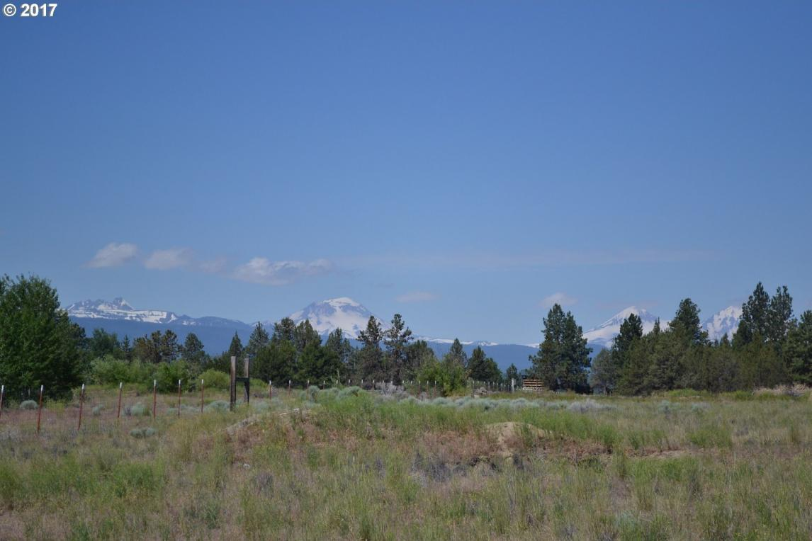 19075 Couch Market Rd, Bend, OR 97703