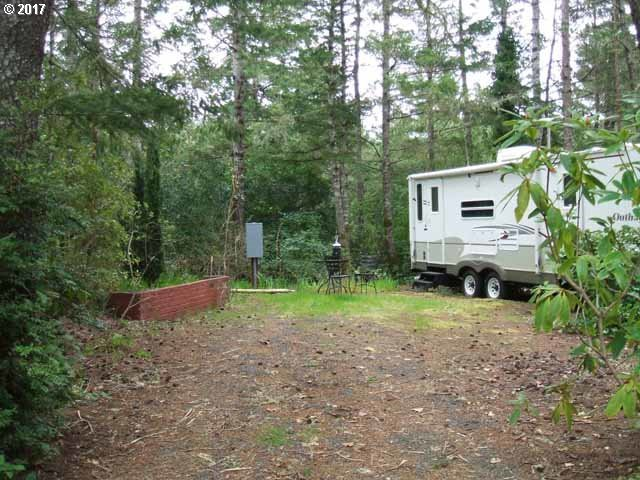 51 Easy St, Florence, OR 97439