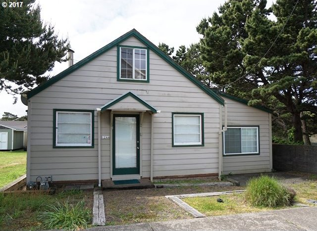 1244 NW 17th St, Lincoln City, OR 97367