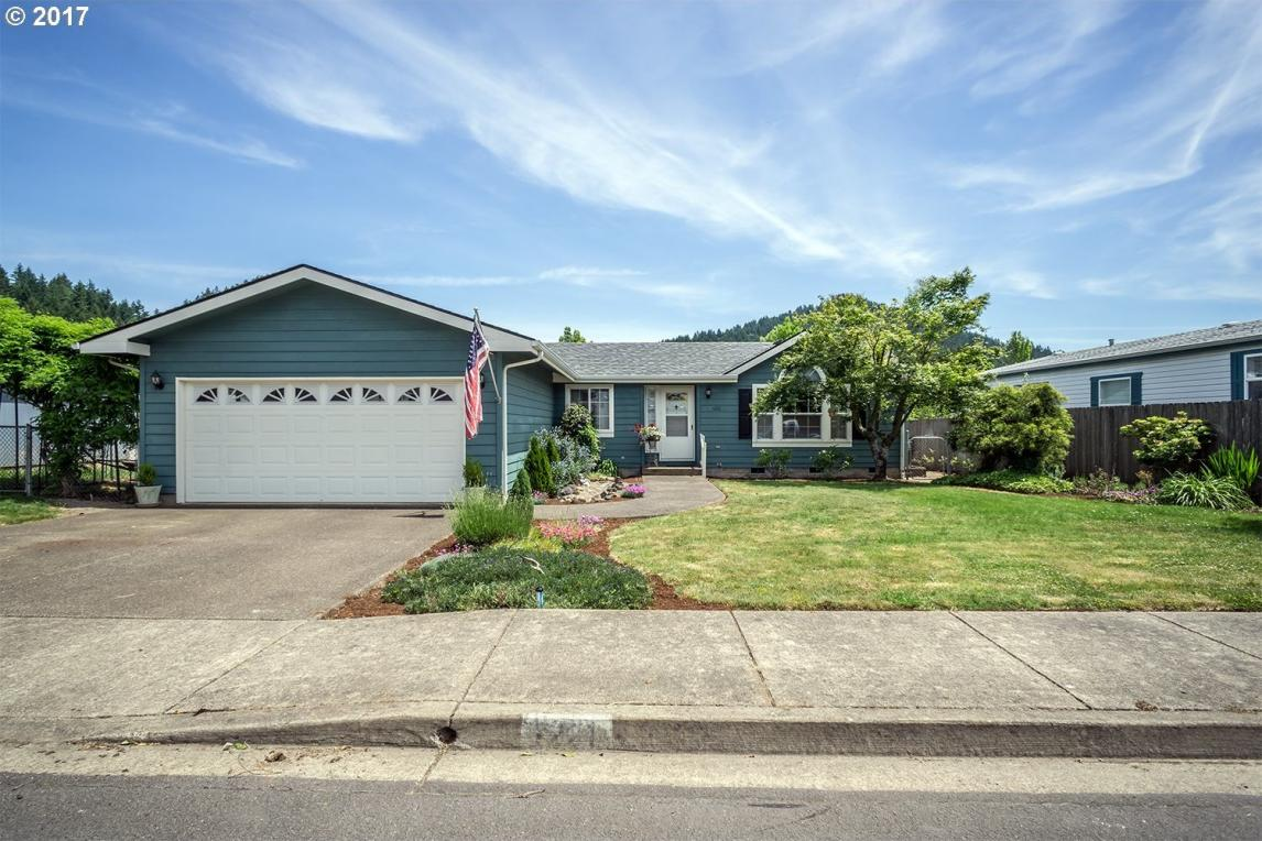 1221 S 57th Pl, Springfield, OR 97478