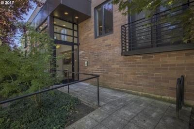 Photo of 2222 NW Hoyt St #301, Portland, OR 97210