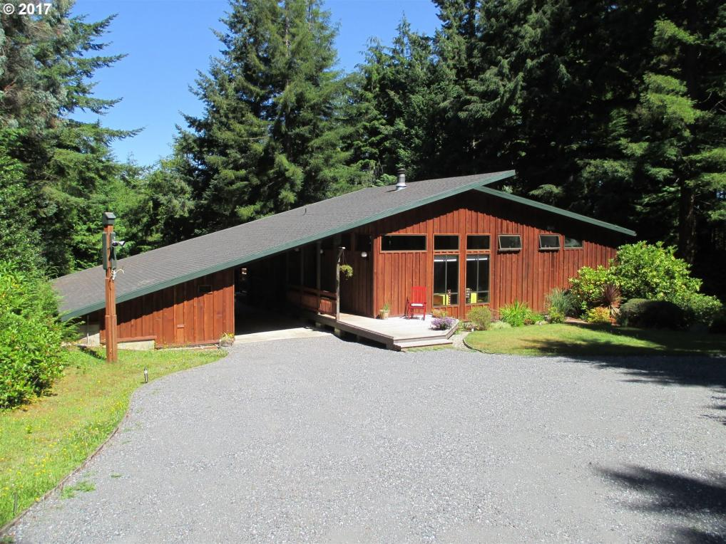 56557 Tom Smith Rd, Bandon, OR 97411