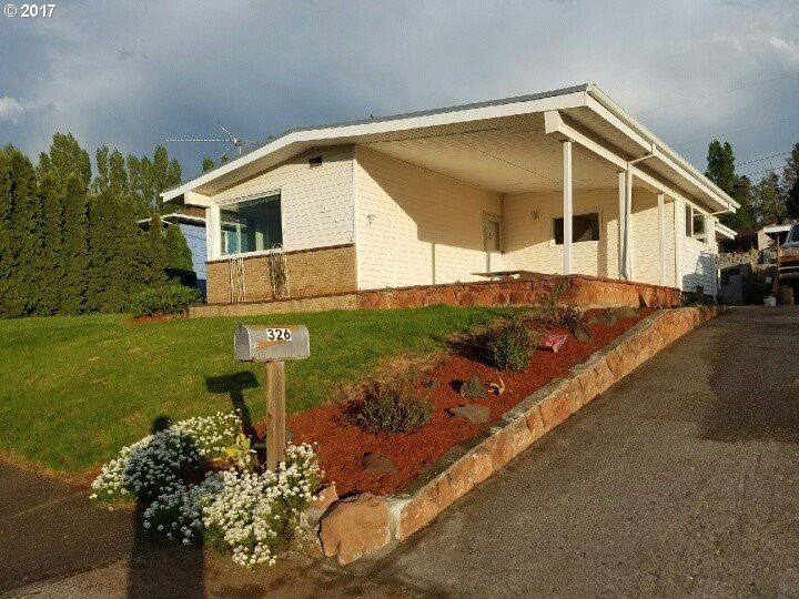 326 W 21st St, The Dalles, OR 97058