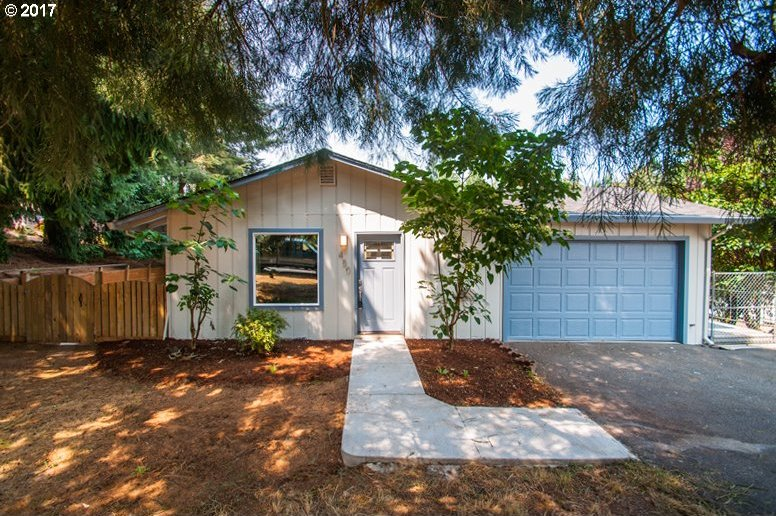 450 E St, Columbia City, OR 97018