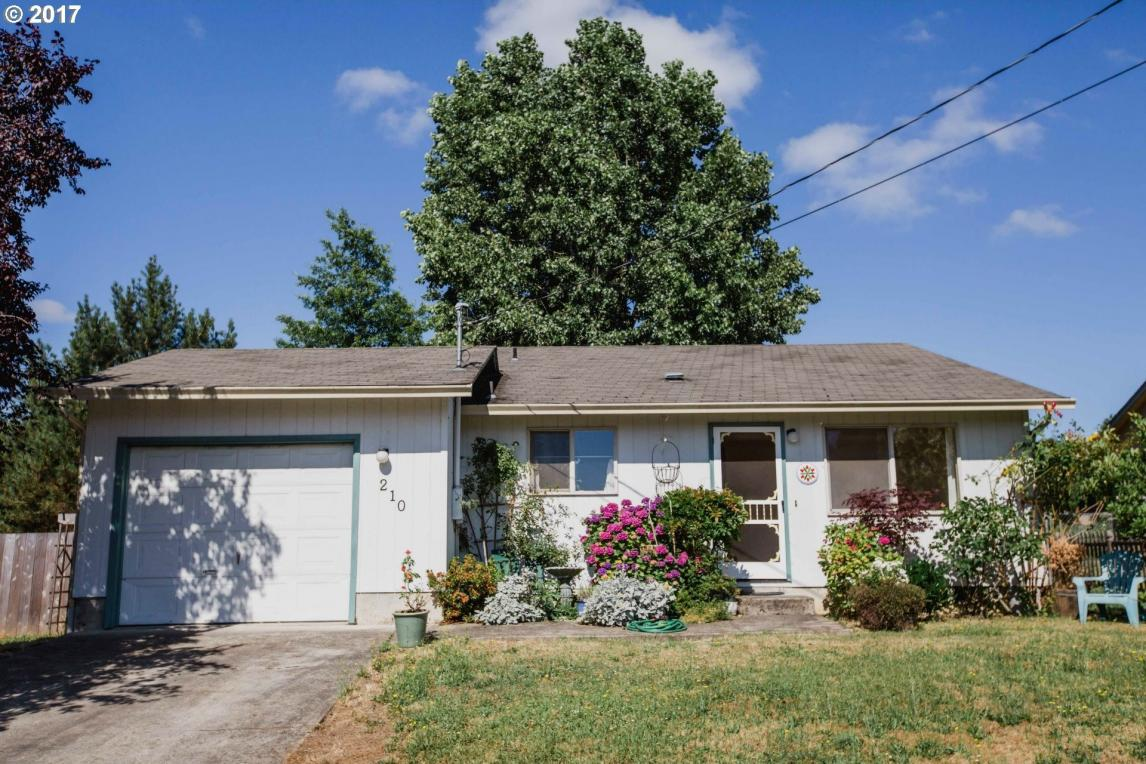 210 NW Plum Ave, Winston, OR 97496