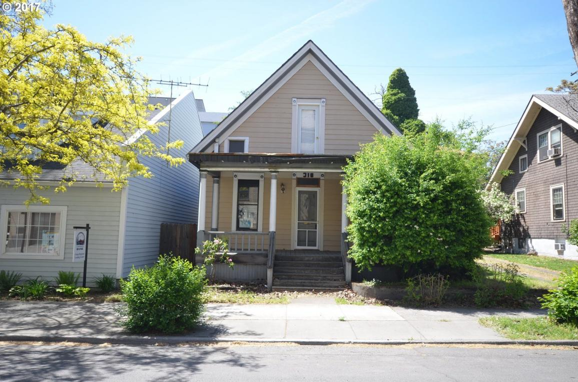 318 E 4th St, The Dalles, OR 97058