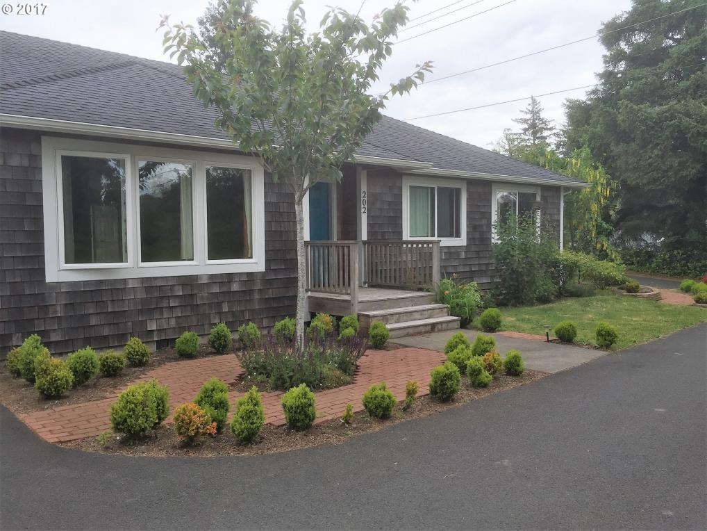202 Railroad Ave, Gearhart, OR 97138