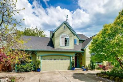 Photo of 2933 SE Danna Ct, Milwaukie, OR 97267