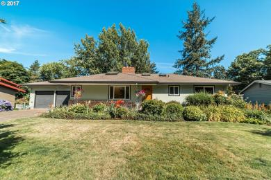 7585 SW Whitford Dr, Portland, OR 97223