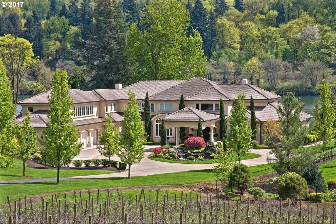24140 SW Petes Mountain Rd, West Linn, OR 97068
