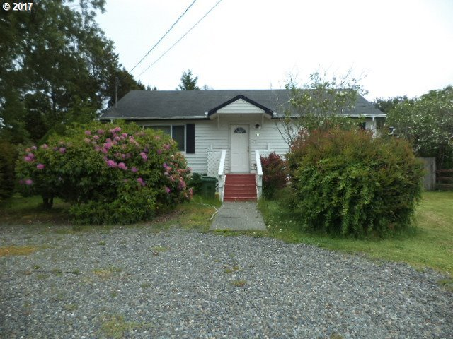684 Ivy St, Florence, OR 97439