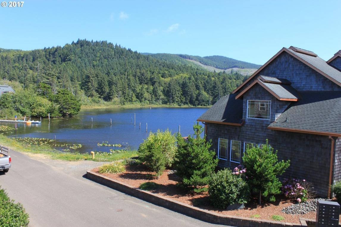 1500 Pansy Ct #24, Rockaway Beach, OR 97136