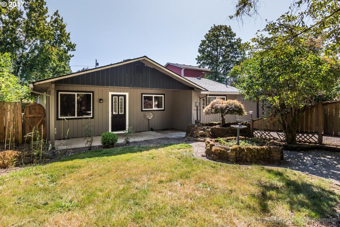 534 S 11th St, St. Helens, OR 97051