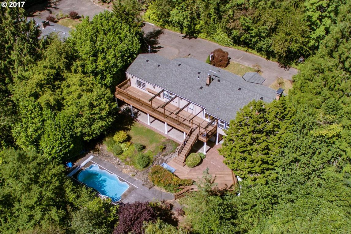 7450 SW Canyon Rd, Portland, OR 97225