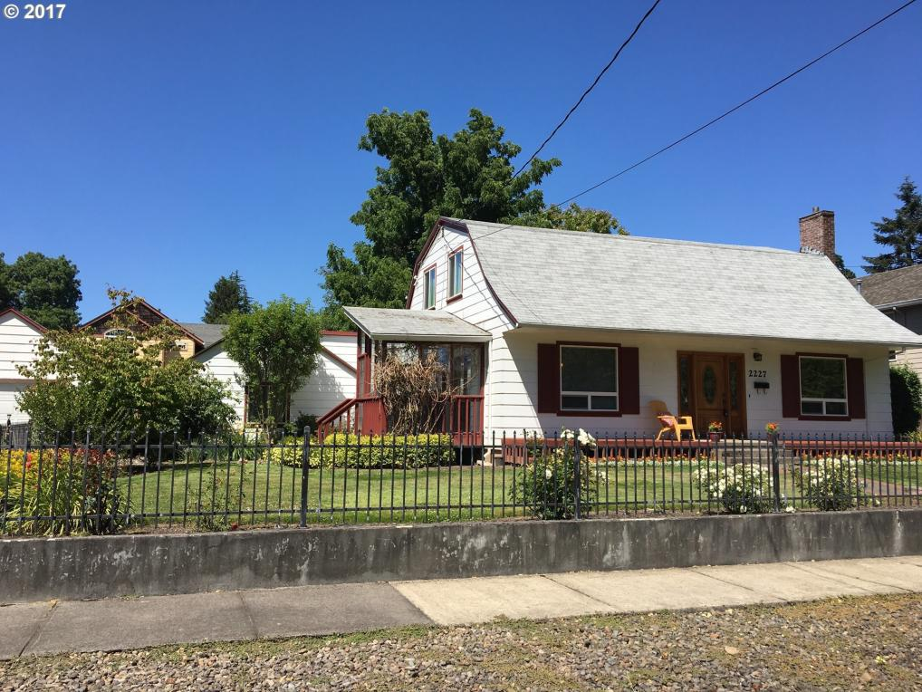 2227 16th Ave, Forest Grove, OR 97116