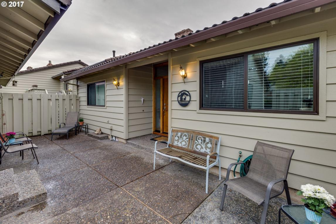6278 Preakness Dr, West Linn, OR 97068