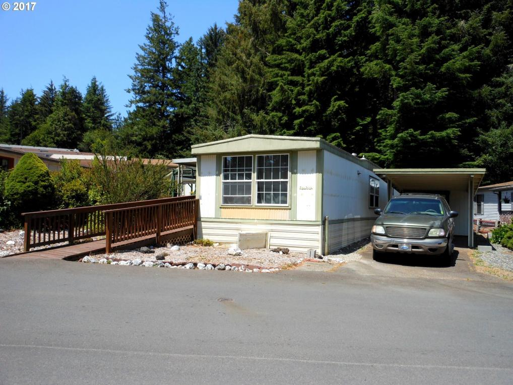 520 Shorepines Ave, Coos Bay, OR 97420