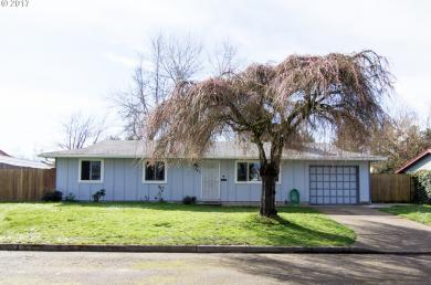 241 15th St, Lafayette, OR 97127