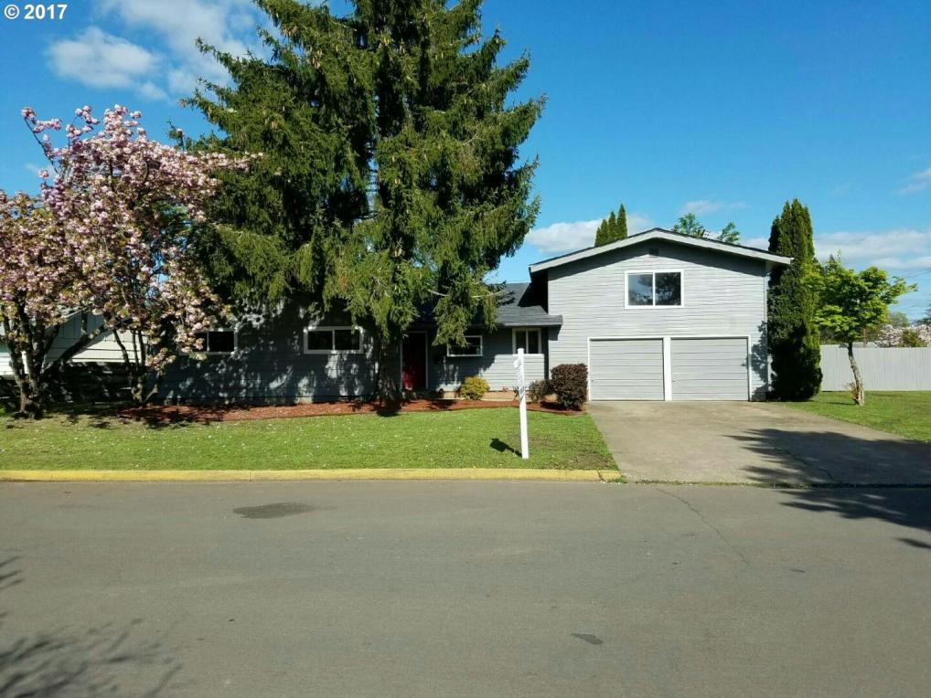 2525 Castle Dr, Springfield, OR 97477