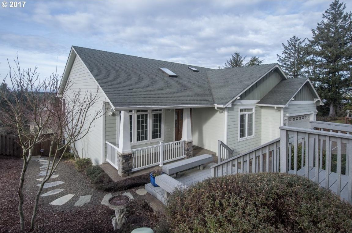 1899 SE Oar Dr, Lincoln City, OR 97367